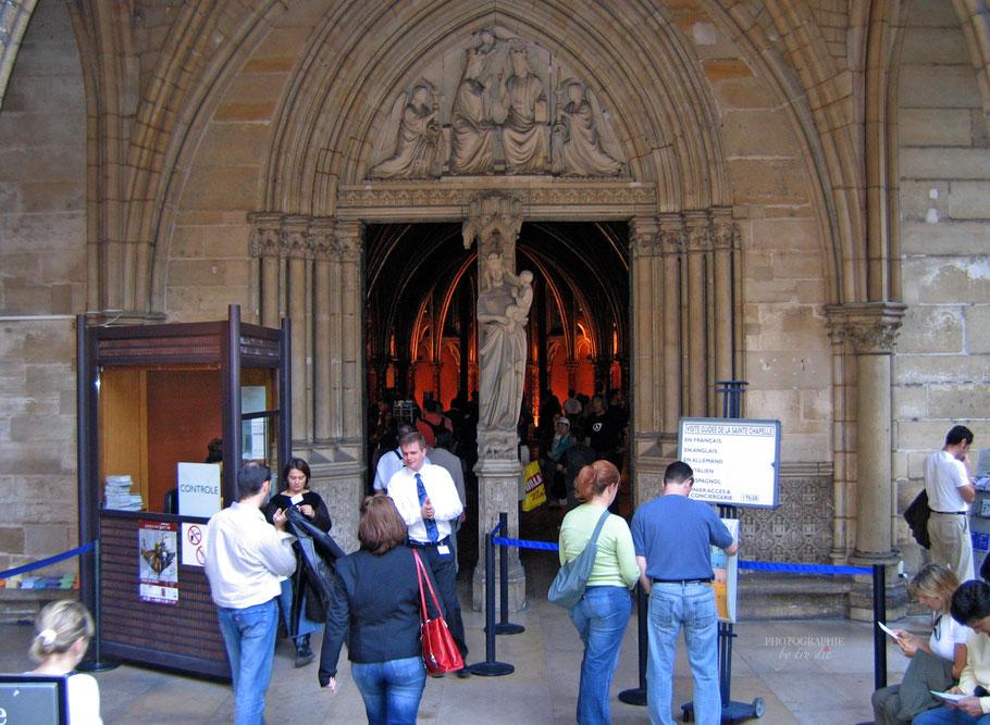 Bild: Eingang zur Sainte-Chapelle in Paris