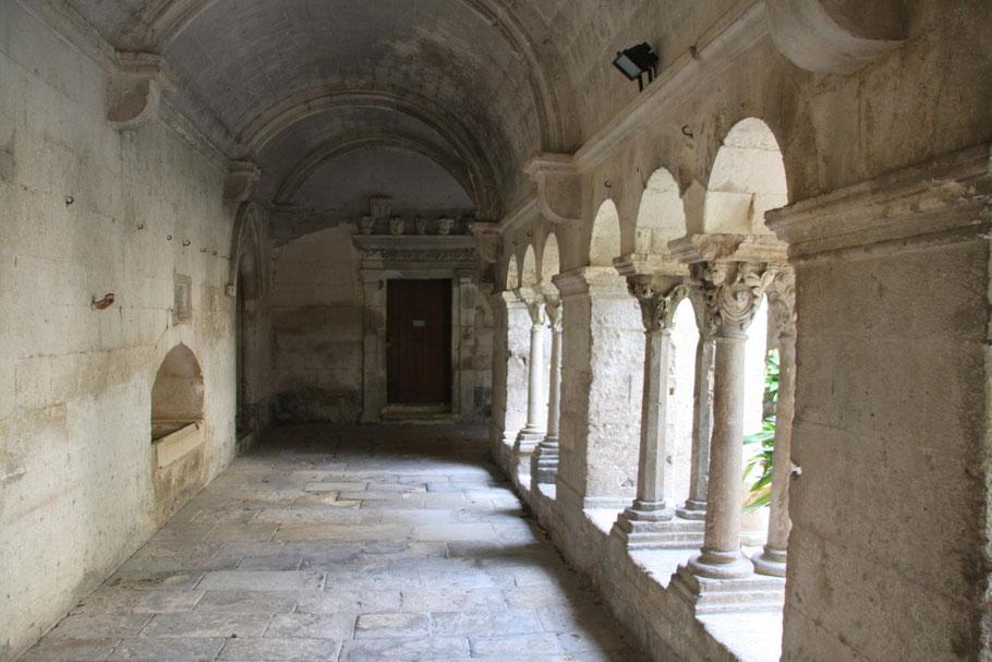 Bild: Kreuzgang der Monastère de St-Paul-de-Mausole