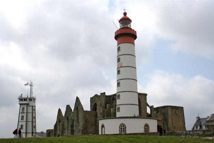 Bild: Die Pointe Saint Mathieu mit dem Leuchtturm und den Ruinen der Abtei