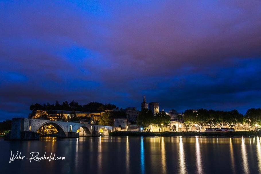 """Bild: Avignon mit Brücke """"Pont d´Avignon"""" auch Pont Saint-Bénézet genannt"""