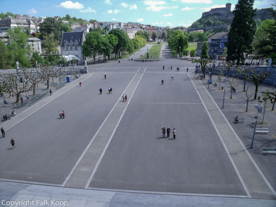 Bild: Wallfahrtsort Lourdes