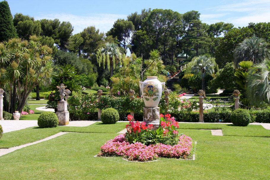 Bild: im französischen Garten des Musée Ephrussi de Rothschild