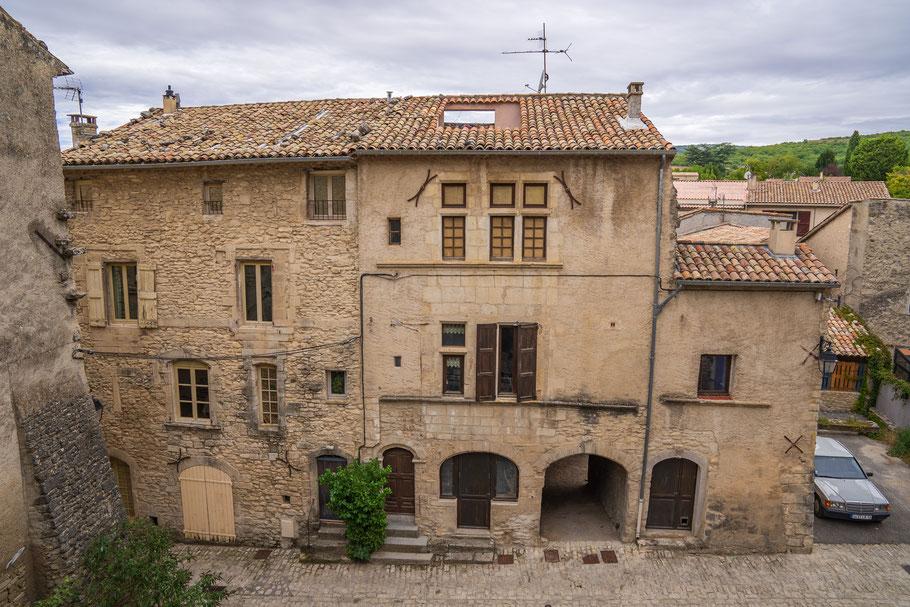 Bild: Mane mit Hôtel Miravail im Département Alpes de Haut Provence