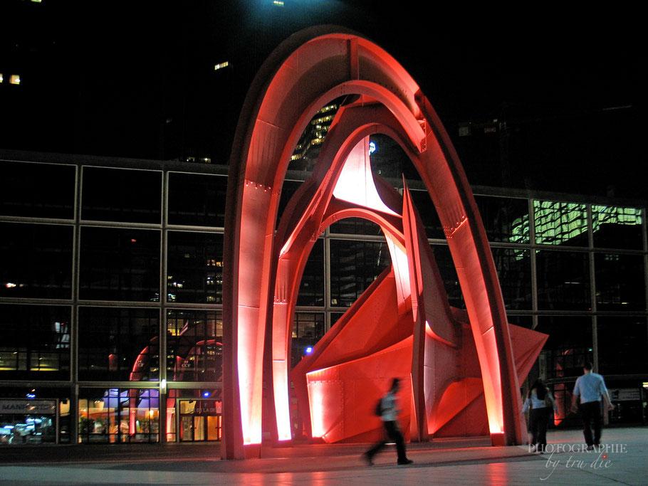 Bild: Die Rote Spinne von Calder im La Défense, Paris