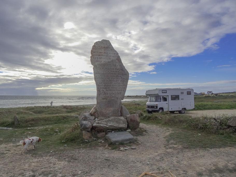 Bild: Menhir de droite Nahe Pors-Poulhan