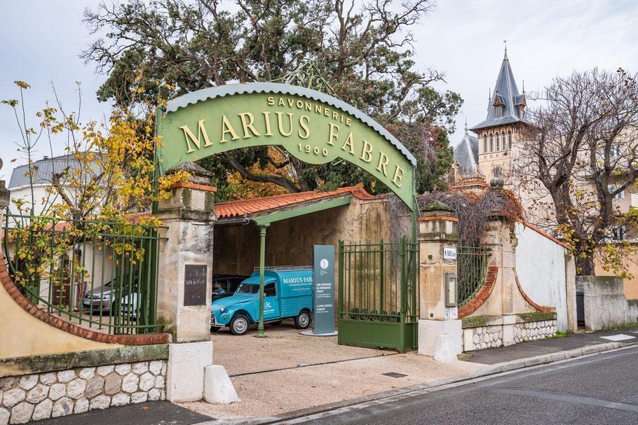 Bild: Einfahrt zur Savonnerie Marius Fabre in Salon-de-Provence