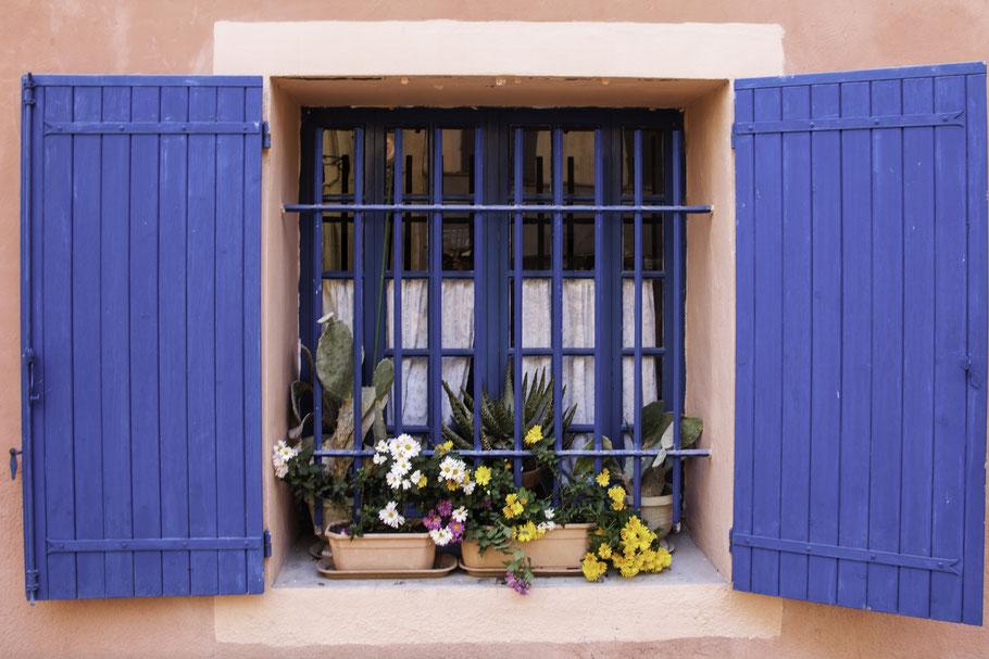 Bild: Fenster in den Straßen von Pertuis