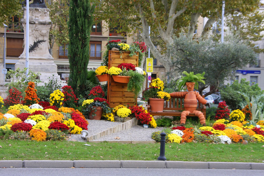 Bild: Salon de Provence Blumenschmuck der Stadt