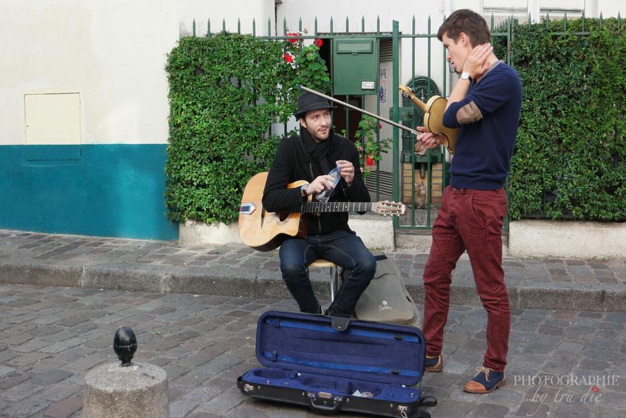 Bild: Straßenmusiker am Montmartre Paris