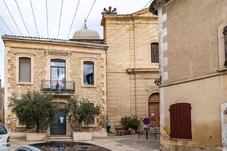 Bild: Mérindol im Luberon mit Église Sainte-Anne