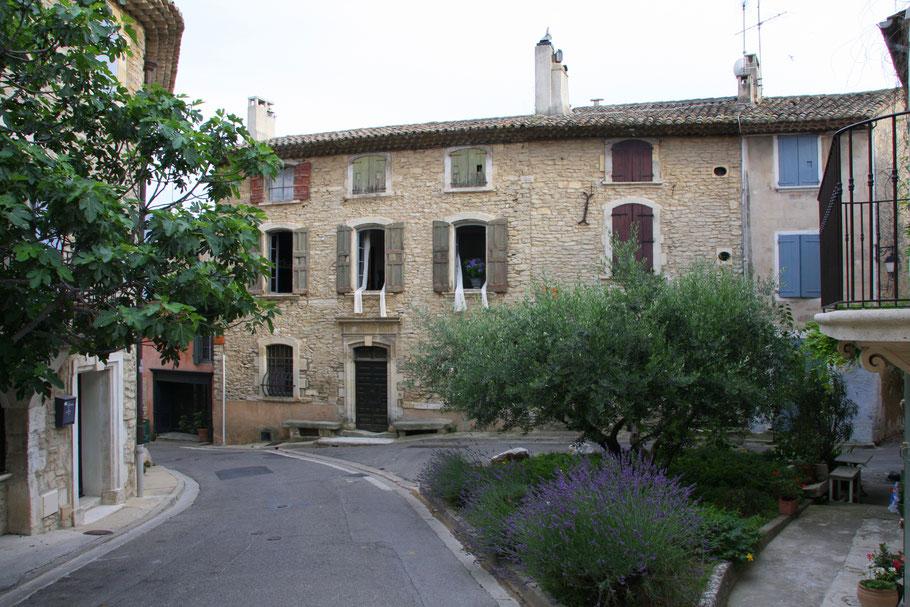 Bild: In den Straßen von Goult, Vaucluse, Provence
