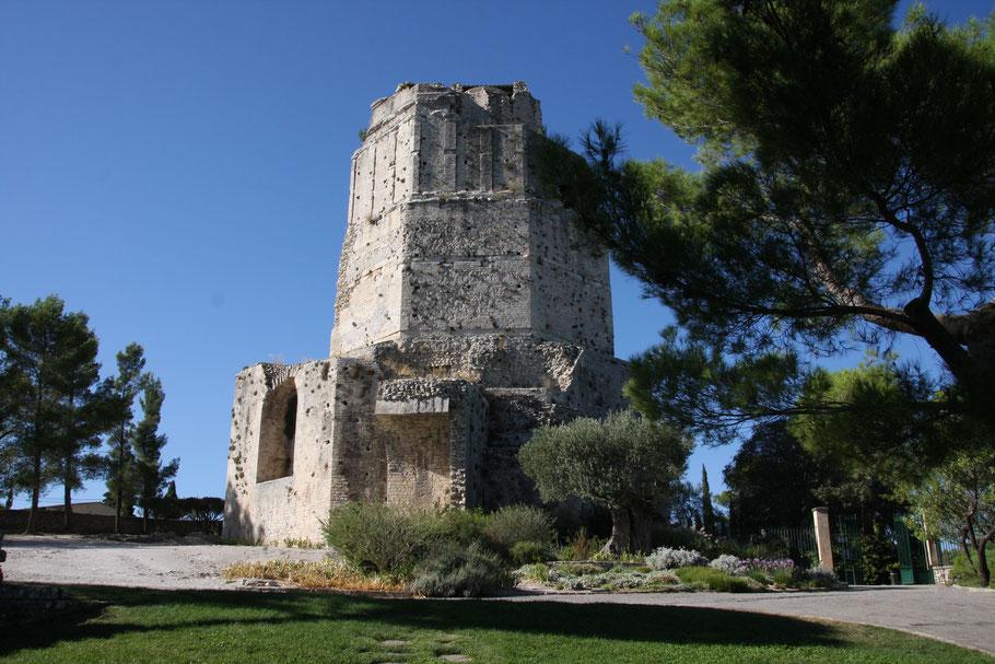 Bild: Magneturm in Nimes (La Tour Magne)