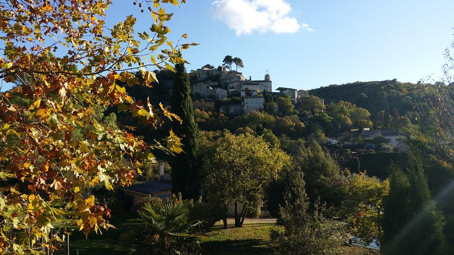 Bild: Blick auf das kleine Dorf Le Beaucet, Vaucluse, Provence