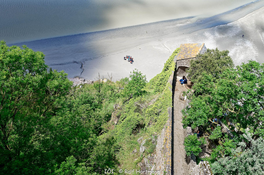 Bild: Blick bei Ebbe vom Mont-Saint-Michel