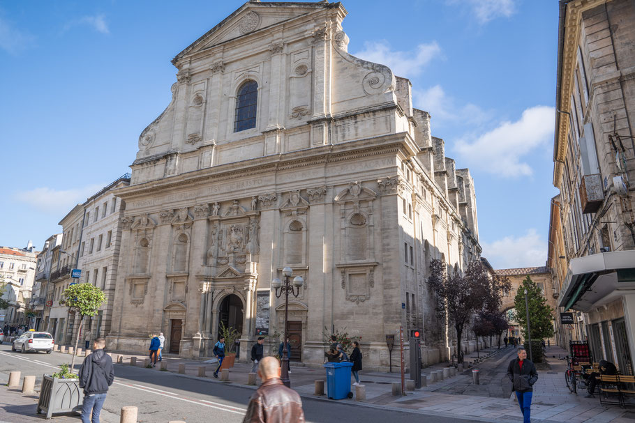 Bild: Die Barockfassade des Musée lapidaire in Avignon