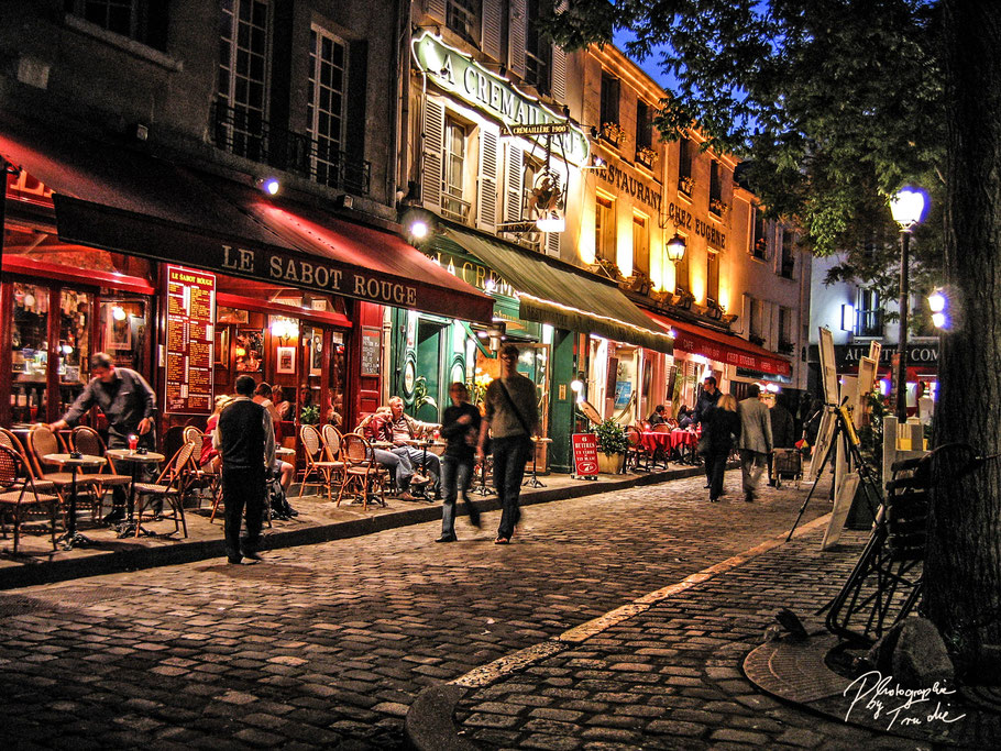Bild: Abends am Place Tertre in Paris