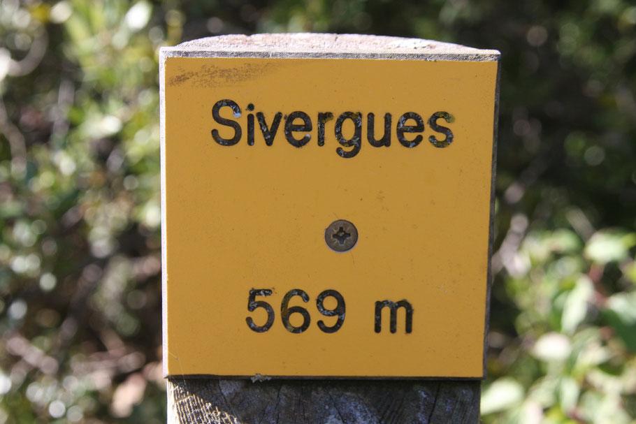 Bild: Sivergues liegt wie man hier sieht auf 569 Meter Höhe und ist bekannt für sein Wandergebiet
