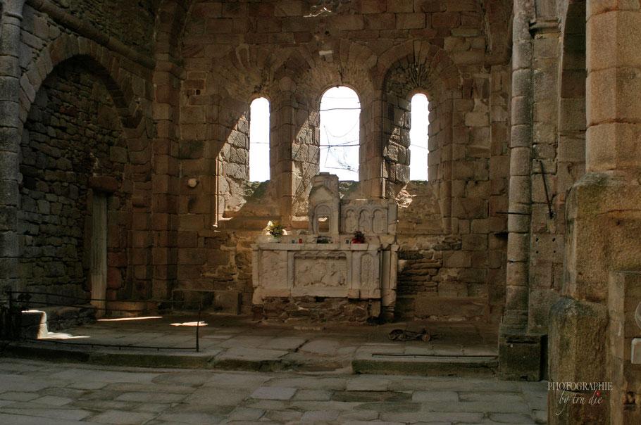Bild: Gedenkstätte des Massaker von Oradour sur glane, hier zerstörte Kirche