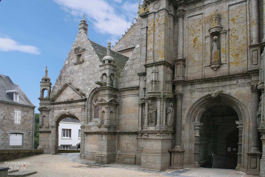 Bild: Portal der Église Notre-Dame in Saint-Thégonnec
