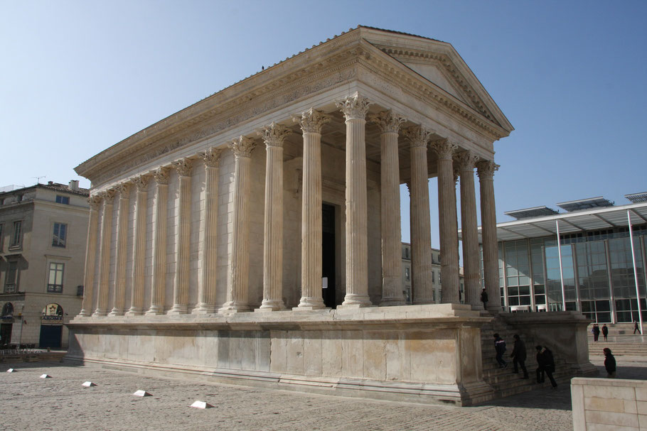Bild: Maison Carrée in Nimes