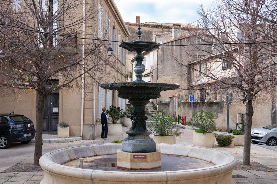 Bild: Cabriés, Bouches du Rhône, hier Fontaine Saint Roch