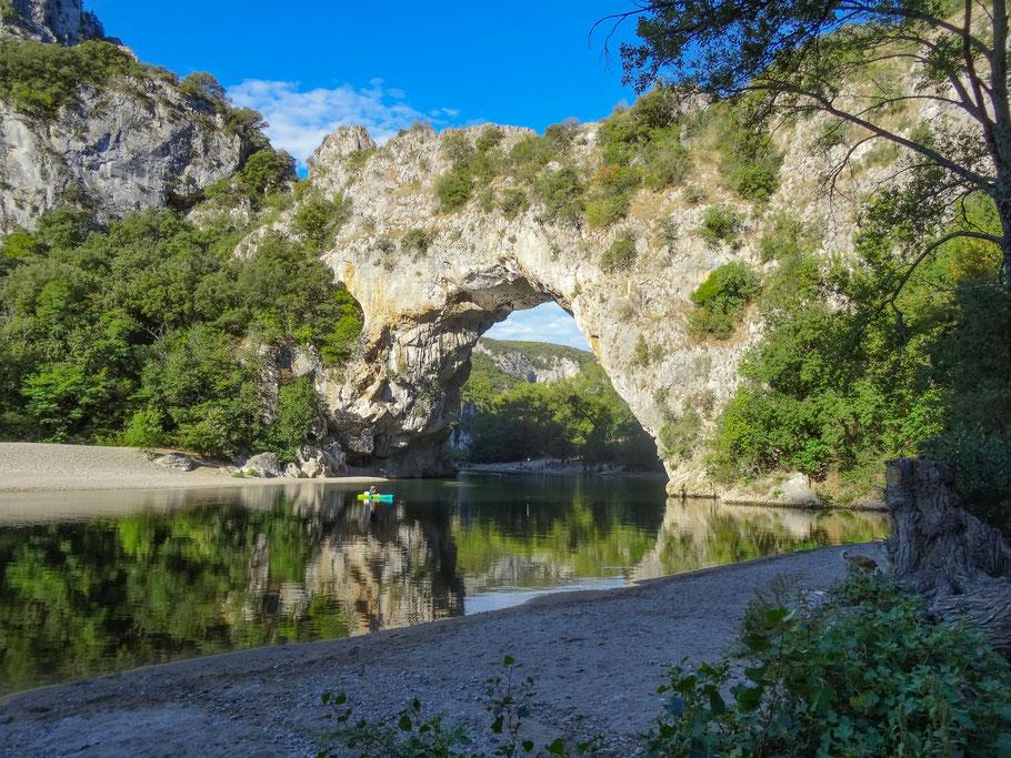 Bild: Pont d´Arc (Foto von Peter Hasel)