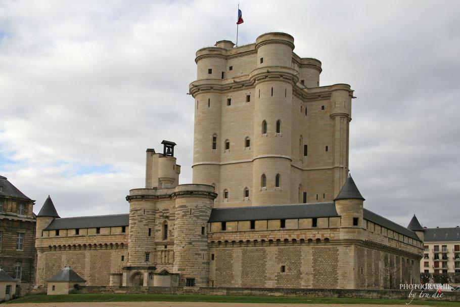 Das Château Vincennes mit seinem Wohnturm der über 50 Meter Höhe hat und damit einer der höchsten Donjon Frankreichs ist.
