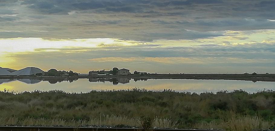 Bild: Saline bei Aigues Mortes