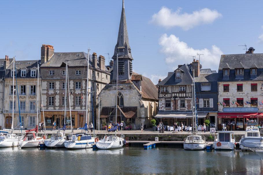 Bild: Honfleur im Département Calvados in der Normandie  hier Église Sainte-Catherine hier Vieux Bassin