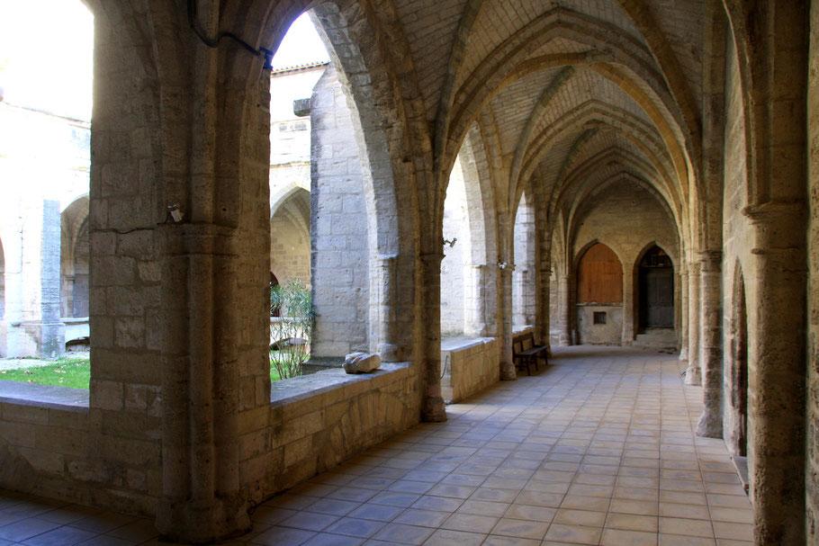 Bild: Kreuzgang in der Èglise Notre-Dame in Villeneuv-lés-Avignon