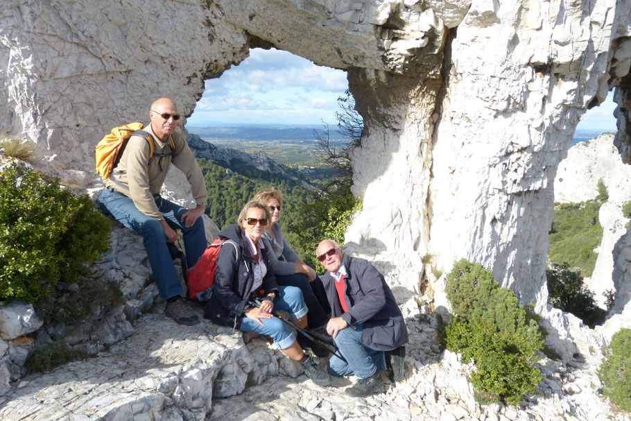 Bild: Wanderung Rocher des Deux Trous bei Saint-Rémy-de-Provence