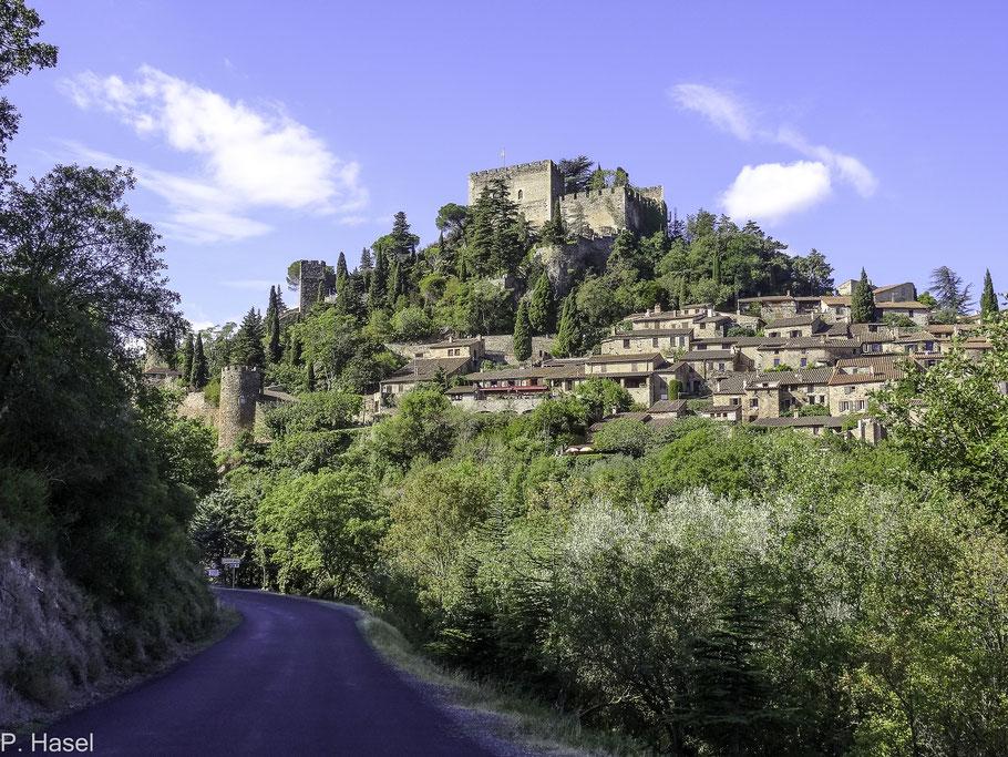Bild: Castelnou mit Burg