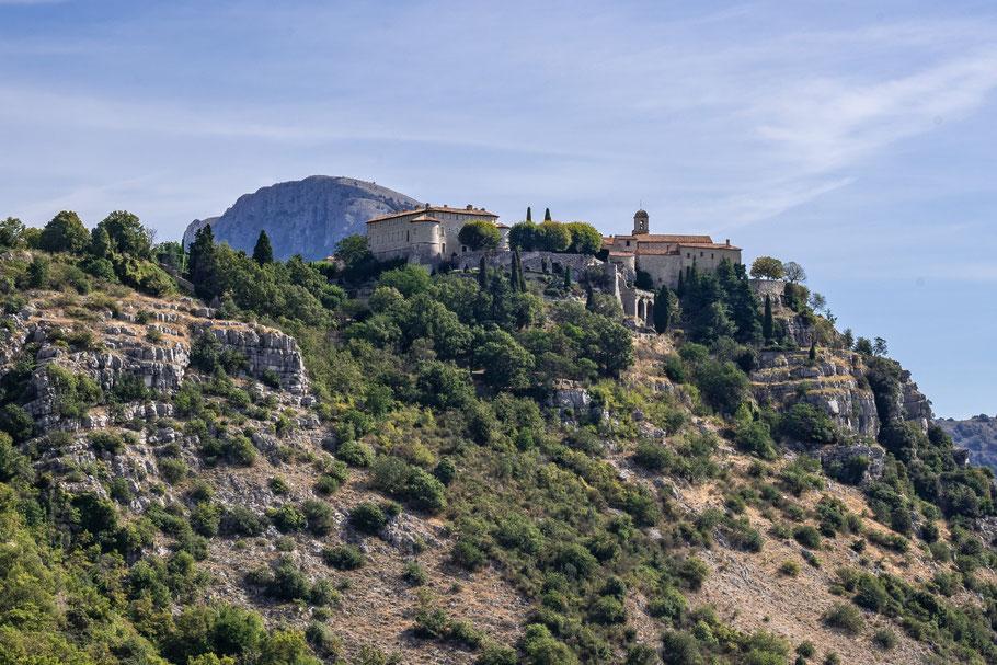 Bild: Blick auf Gourdon in der Provence