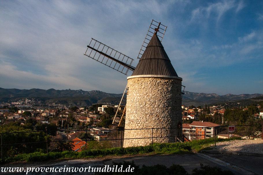 Bild: Windmühle in Allauch