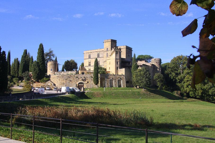 Bild: Schloss Lourmarin (Château de Lourmarin) in Lourmarin