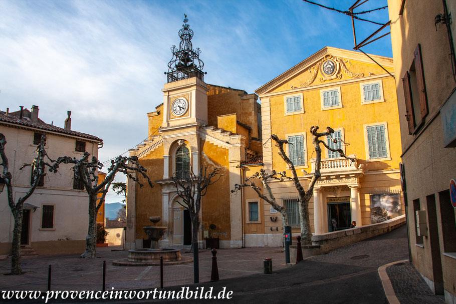 Bild: Allauch mit Kirche Saint-Sébastien und Hôtel de Ville, Museum von Allauch
