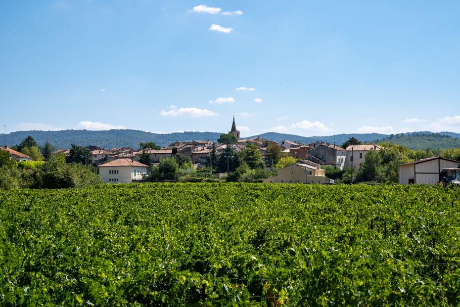 Bild: Blick auf Malemort du Comtat im Dépatement Vaucluse