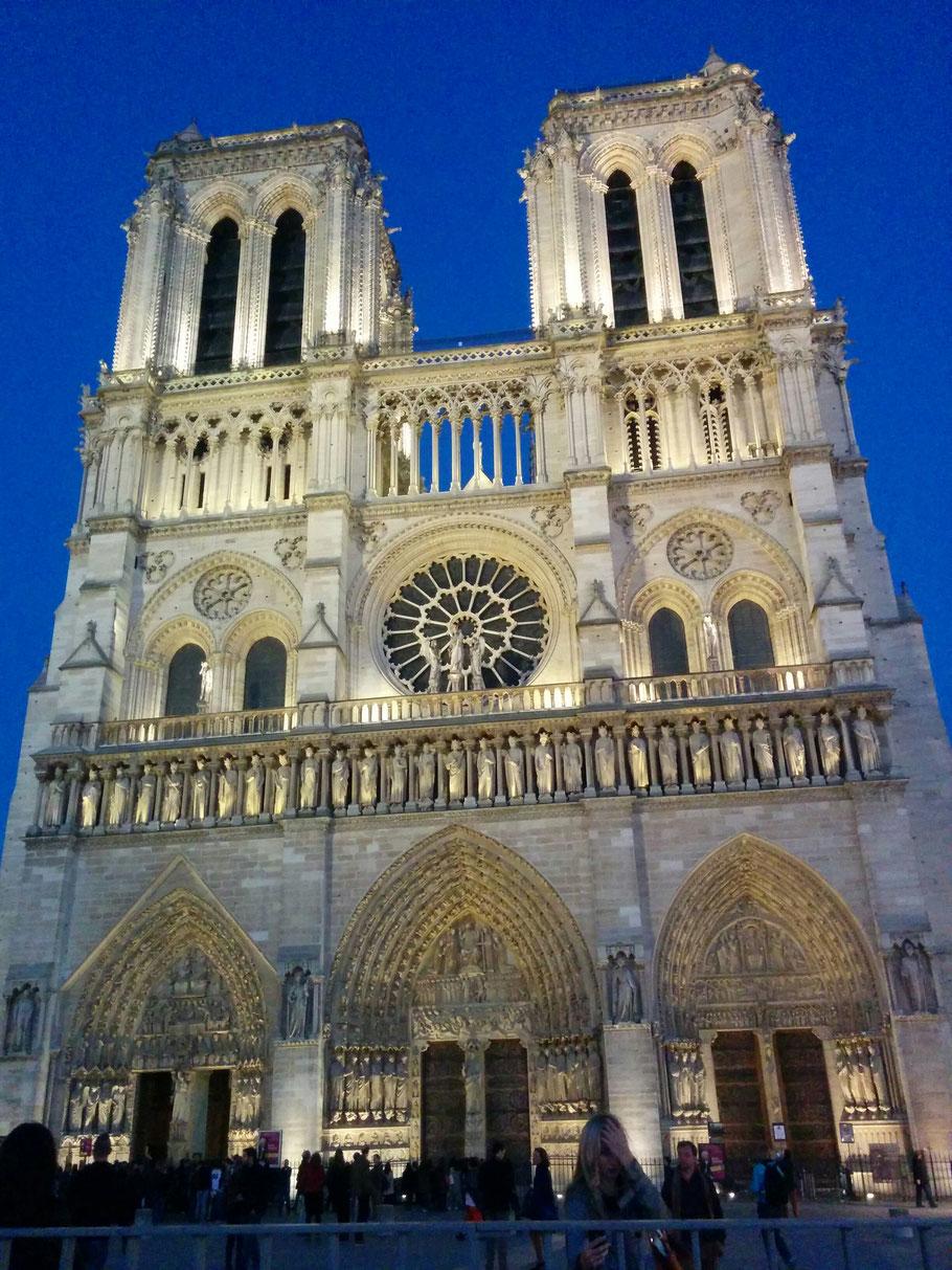 Bild: Cathédrale Notre-Dame de Paris, hier Portale der Westfassade
