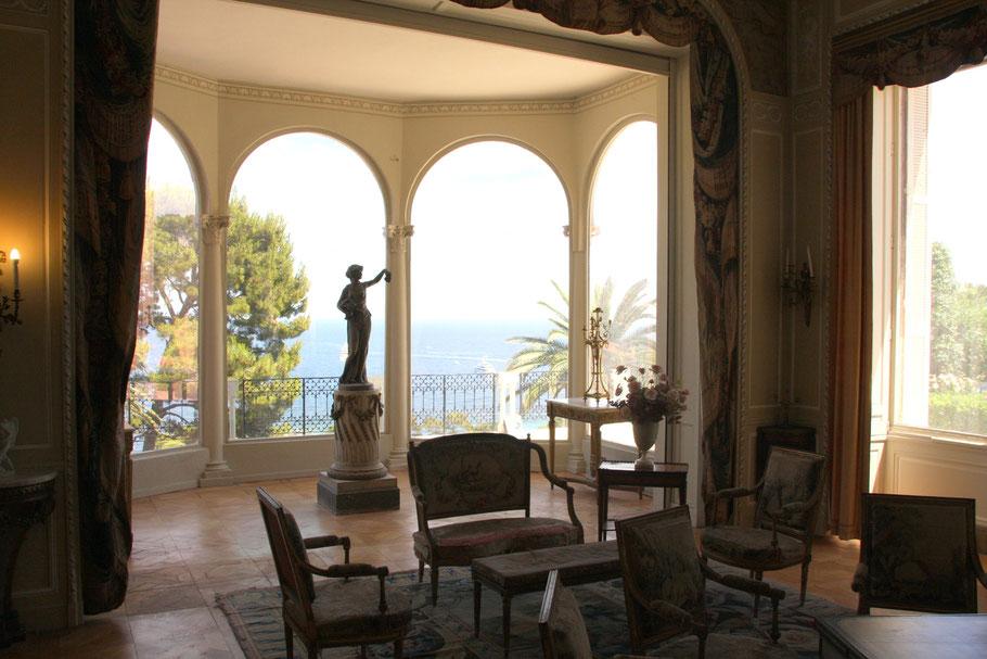 Bild:  Villa Île-de-France, heute Musée Ephrussi de Rothschild, hier Salon Louis XVI