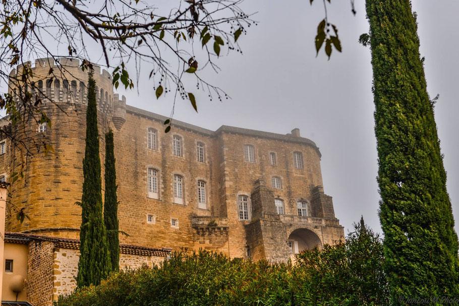 Bild: Château Suze-la-Rousse in Suze-la-Rousse, Drôme