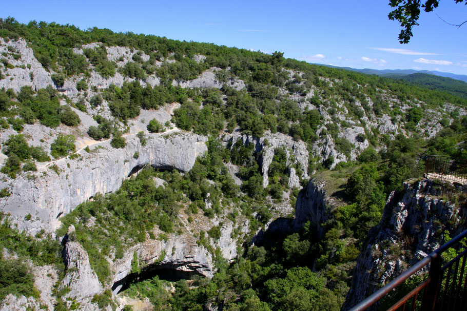 Bild: Blick in die Gorges d´Oppedette