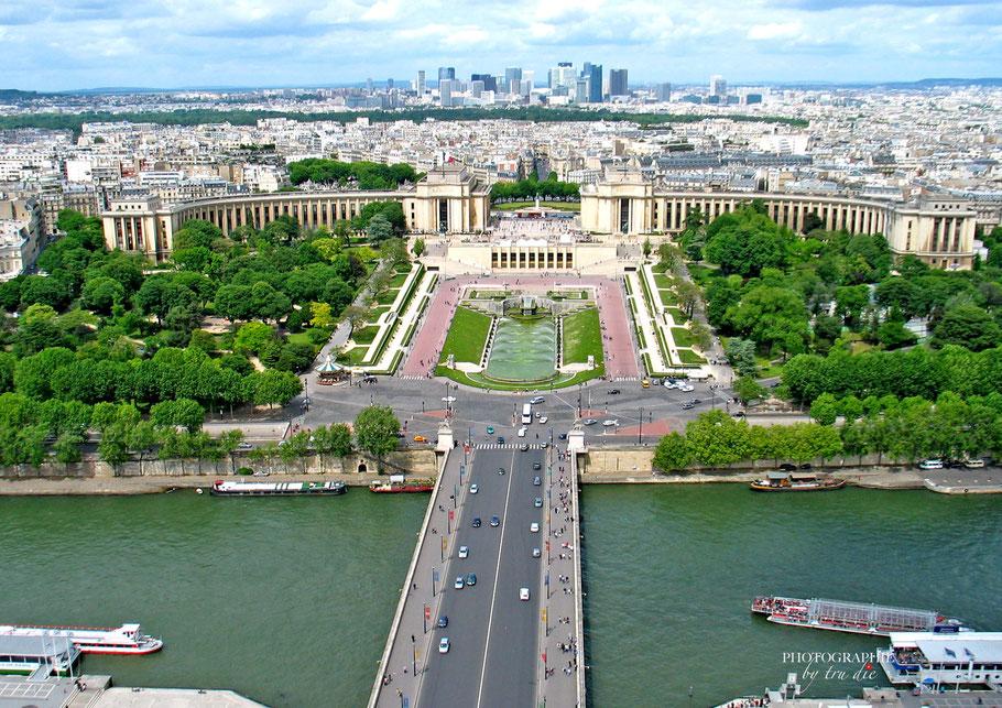 Bild: Trocadero mit Palais de Chaillot und der Jardin de Trocadero vom Tour Eiffel aus gesehen in Paris