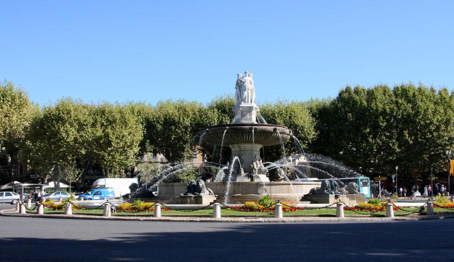Bild:Fontaine de la Rotonde in Aix-en-Provence, direkt am Beginn des Cours Mirabeau