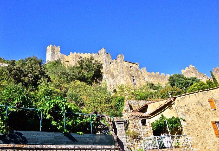 Bild: Blick auf Saint-Montan im Département Ardèche