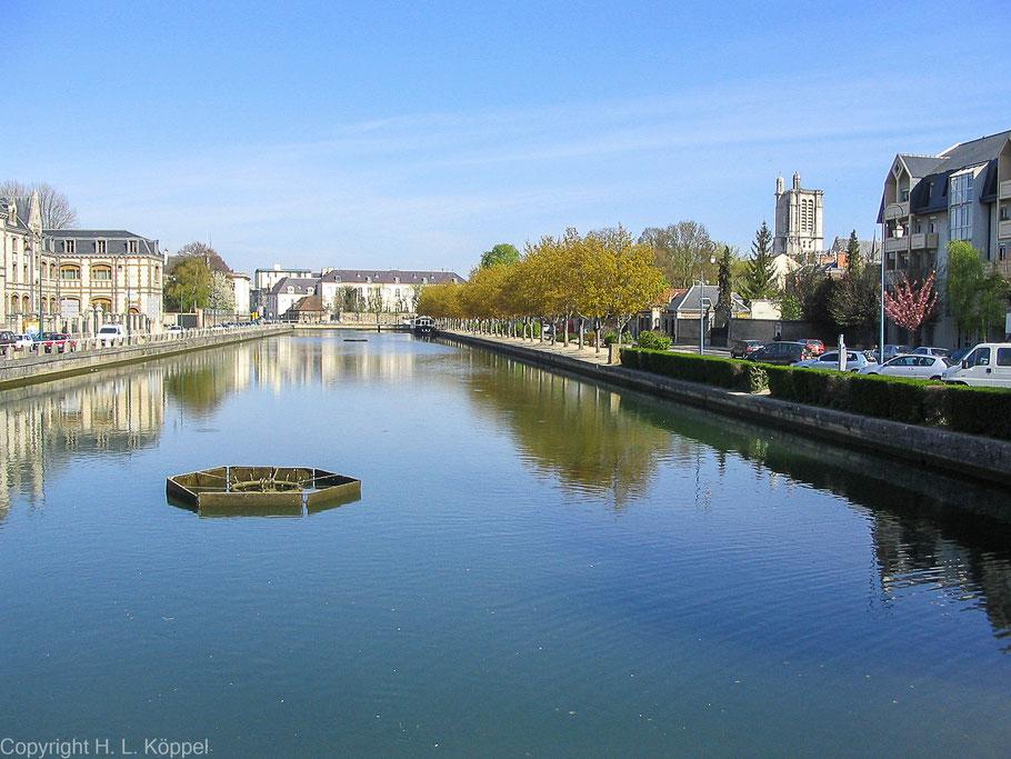 Bild: Am Quai la fontaine in Troyes