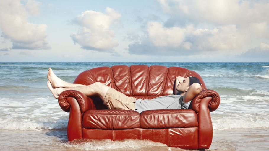 CouchsurfenISTOCK