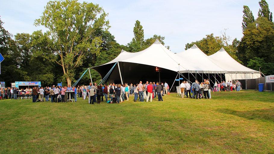 Feesttent, Festivalttent, Tent, Membraantent, M-Tent, Tent huren, luxe tent, tentenverhuur, open kop