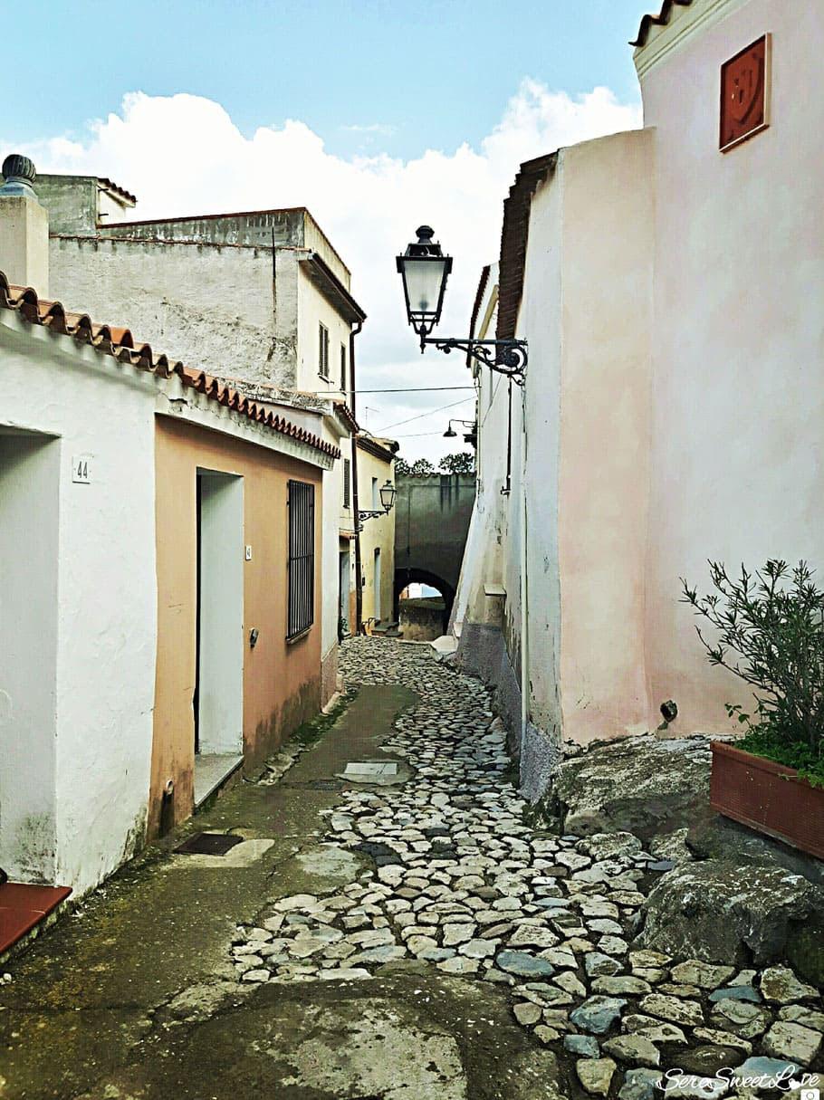 Stradine antiche nel cuore del centro storico del borgo di Posada, Nuoro ( Nu), Sardegna 2018, Sardinia, Italy