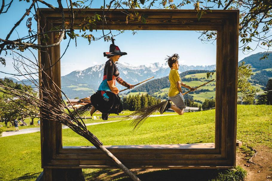 Urlaub Vater Sohn Wochenende Tirol Kitzbühel Vater Sohn Männers Kompass Weg Zusammenhalt Natur Freude Selbstvertrauen
