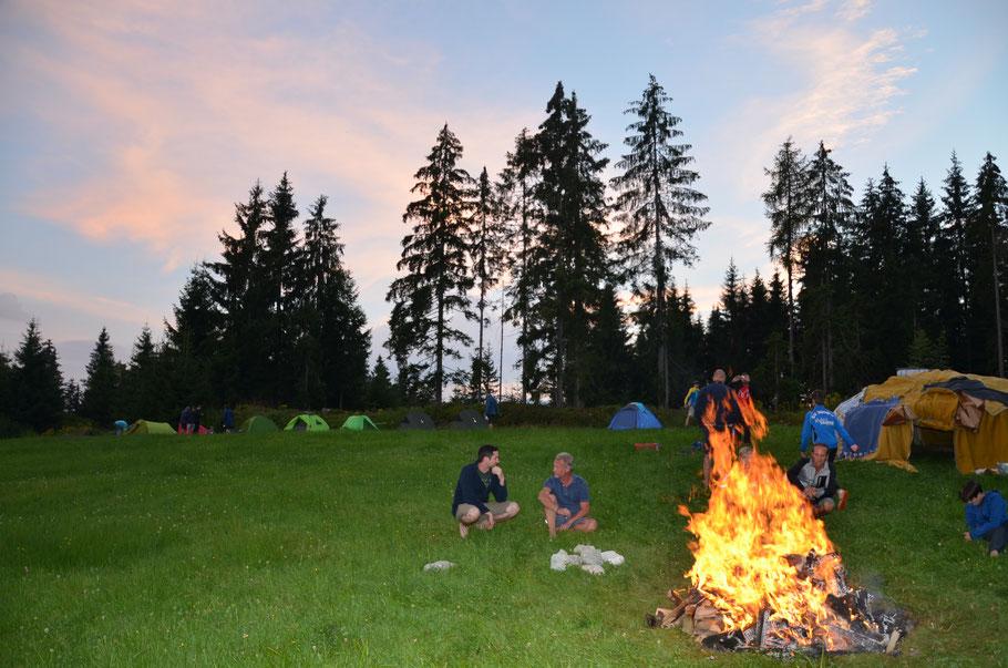 Lagerfeuer und Zeltplatz auf der Wieser der 7 Glocken